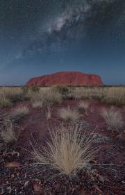 uluru_milky_way_outback_australia